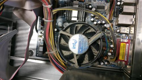1 - Dissipatore CPU ostruito