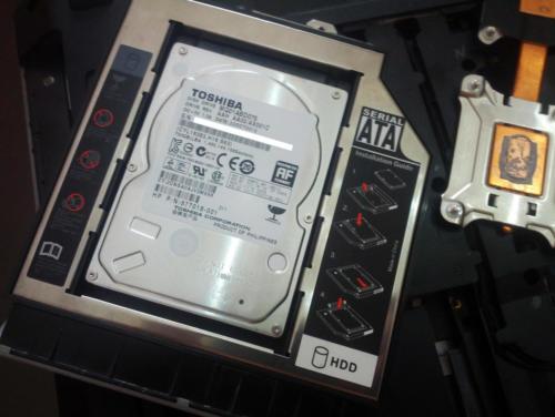2 - Utilizzo del vecchio Hard disk meccanico come secondo disco al posto del lettore ottico utilizzando un apposito adattatore